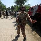 Pakistan'da iki ayrı saldırı: 15 ölü