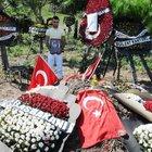 Şehit ağabeyinin mezarı başından günboyu ayrılmıyor