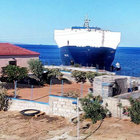 Türk kargo gemisi Yunanistan'da karaya oturdu