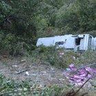 Karabük'te uçurumdan yuvarlanan otobüsün sürücüsü yaralandı