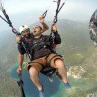 Muğla'da İlk defa paraşütle atlayan tatilci krize girdi!