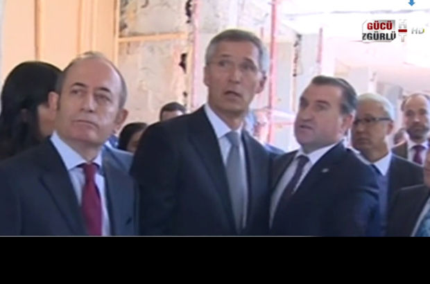 NATO Genel Sekreteri hayretle inceledi