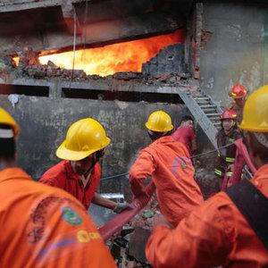 Bangladeş'te fabrika yangını: 25 ölü