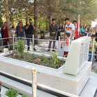Şehit Ömer Halisdemir'in kabri ziyaretçi akınına uğradı
