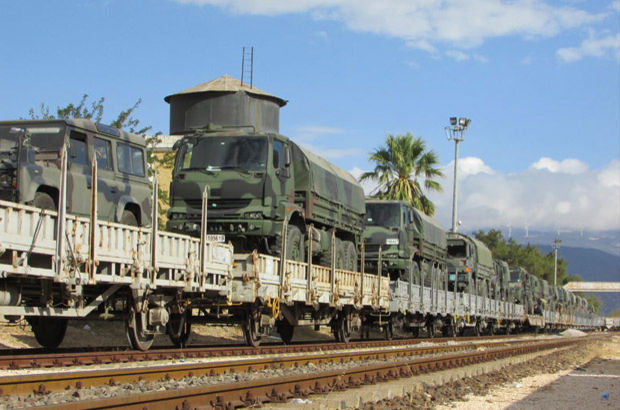 İslahiye'de askeri araç ve personel sevkiyatı
