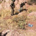 Şemdinli'de toprağa gömülü patlayıcılar imha edildi