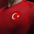 İŞTE FIFA 17'DEKİ EN İYİ TÜRK