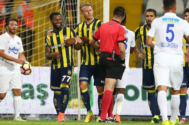 Fenerbahçe'de oyundan alınan Lens karara çok üzüldü
