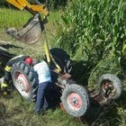 Denizli'de devrilen traktörün altında kaldı