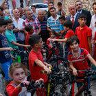 Cumhurbaşkanı Erdoğan'dan Suriyeli çocuklara bayram hediyesi