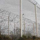 Fransa Calais'de duvar inşasına başlandı