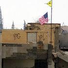 PYD karargahındaki ABD bayraklarından biri duruyor