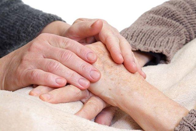 Alzheimer hasta yakınlarına tavsiyeler