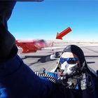 ABD'de gösteri uçağı pilotu neredeyse ölüyordu