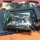 Hindistan yolcu uçağında telefon alev aldı!