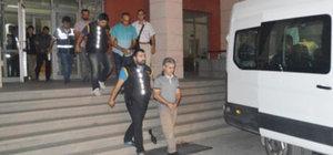 Manisa'da 82 polis ve polis şefine FETÖ gözaltı kararı