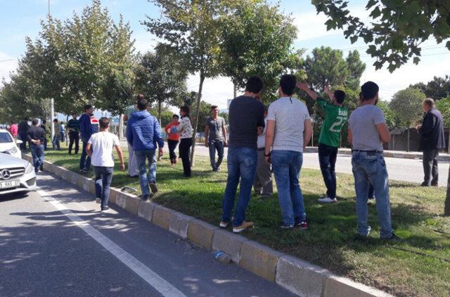 Sakaryaspor ve Eskişehirspor taraftarı birbirine girdi: 7 yaralı