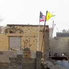 PYD'nin 'karargahı'ndaki ABD bayrağı hala yerinde!