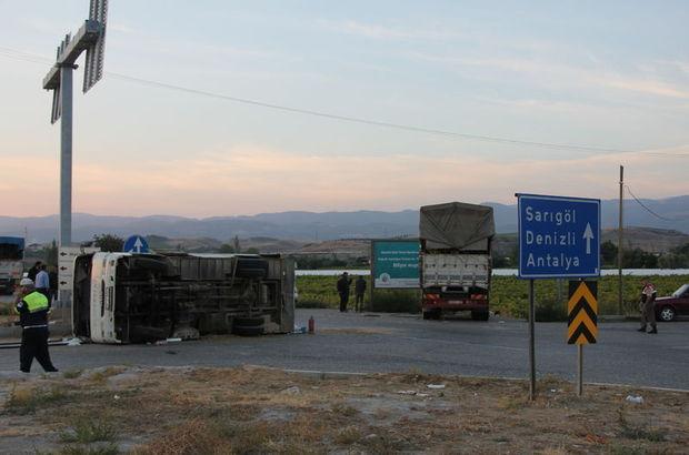Midibüsle kamyon çarpıştı: 31 yaralı