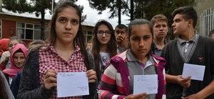 Öğrencilerden Ömer Halisdemir'in babasına mektup