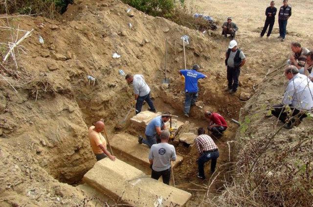 Çanakkale'de 3 lahit bulundu