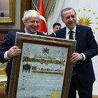 Erdoğan'dan Johnson'a anlamlı hediye
