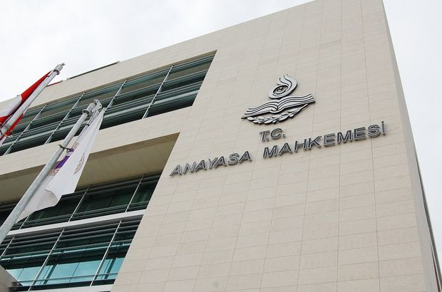 Özgür Gündem'e kapatma kararı AYM'ye taşındı