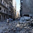 Halep'te yerleşim yerine hava saldırısı: 39 ölü