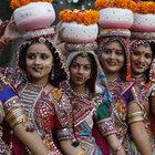 Pakistan'da hindulara resmi evlilik izni verildi