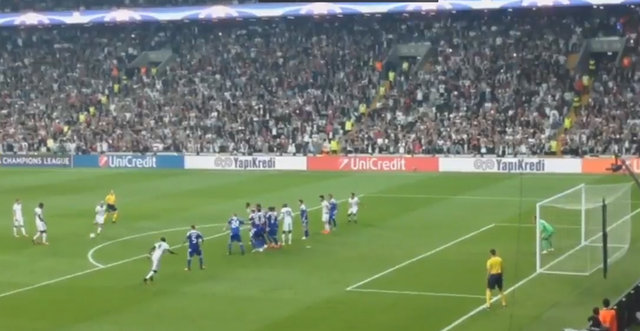 Quaresma'nın Dinamo Kiev'e attığı frikik golü