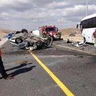 Otomobil ile midibüs çarpıştı: 1 ölü 4 yaralı