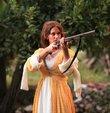 Farah Zeynep Abdullah, Y�lmaz Erdo�an��n 28 Ekim�de vizyona girecek yeni filmi �Ek�i Elmalar� i�in hayat�nda ilk kez eline t�fek ald�