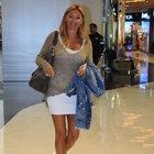 Pınar Altuğ, tek başına mağazaları gezdi