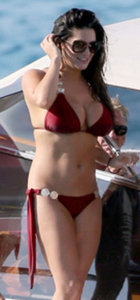 Casey Batchelor tatilde