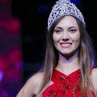 ODTÜ'lü güzel Çağla Çukurova Miss Turkey'den çekildi