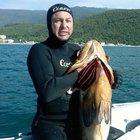 Zıpkınla avlarken sürat teknesinin çarpması sonucu öldü