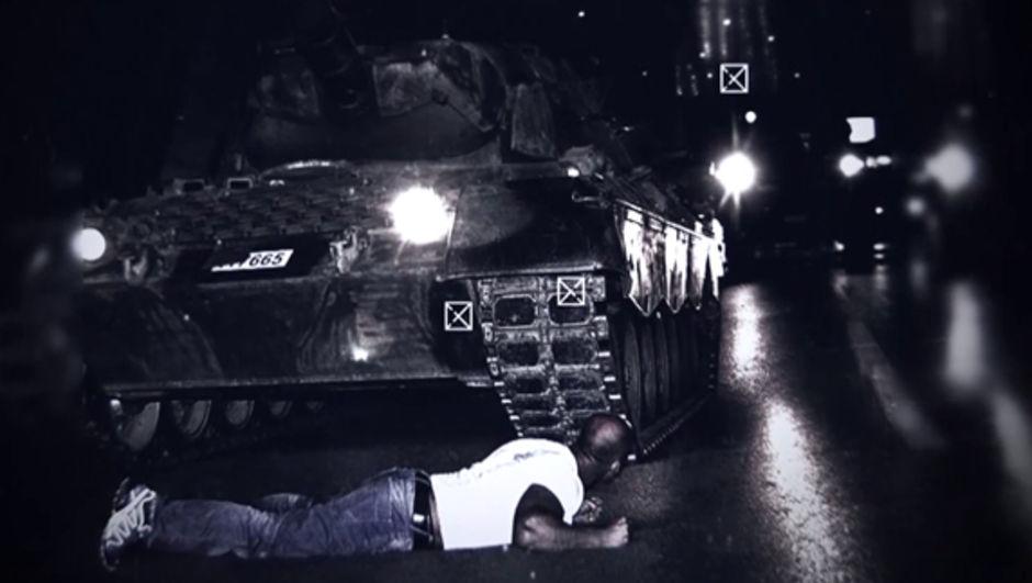 15 temmuz darbe girişimi tankın önüne yatan adam