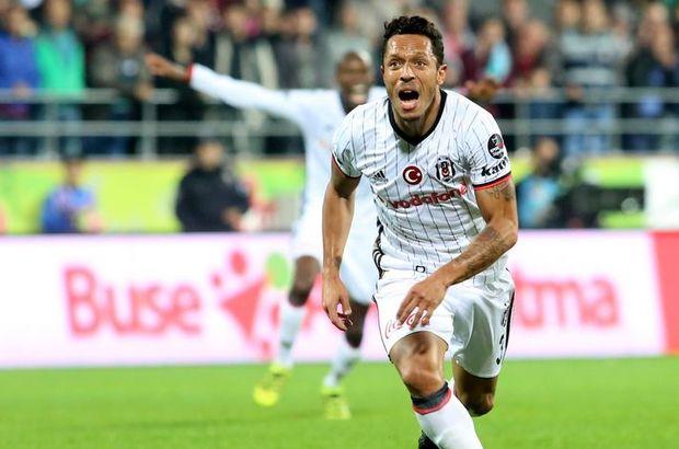 Adriano Beşiktaş