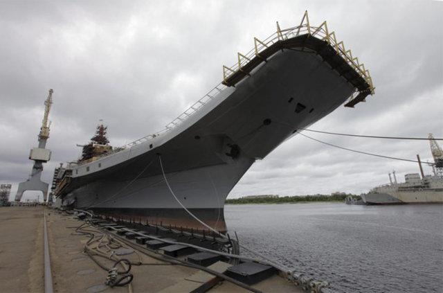 Rus uçak gemisi DAEŞ'le mücadele için Akdenize gönderiliyor
