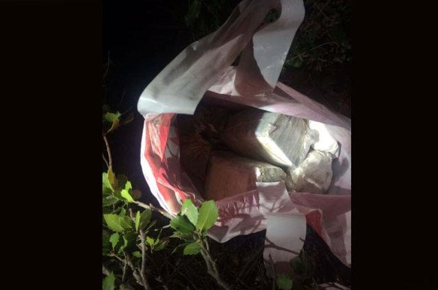 İzmir'de bir terörist bombayı toprağa gömerken yakalandı