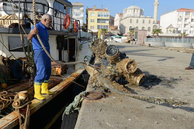 Balıkçıların ağına uçak pervanesi takıldı