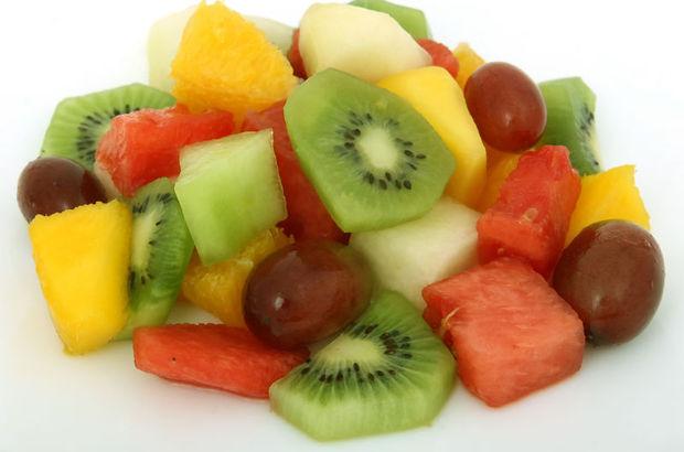 Kinoalı Meyve Salatası
