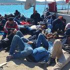 İzmir ve Balıkesir açıklarında kaçak göçmen operasyonu