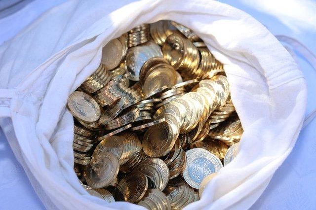 Enişteden damada çuval dolusu 1 lira