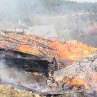 Kastamonu'da çıkan yangında 2 ev küle döndü