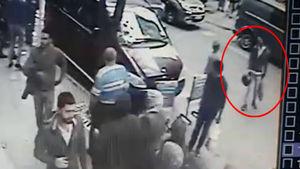 Bombacı olduğu iddiasıyla aranan kasklı kişi kamerada