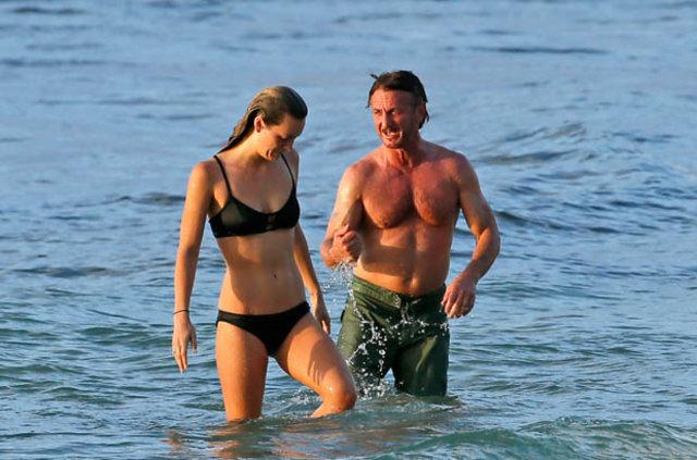 Sean Peen ve genç sevgilisi Leila George D'Onofrio tatilde