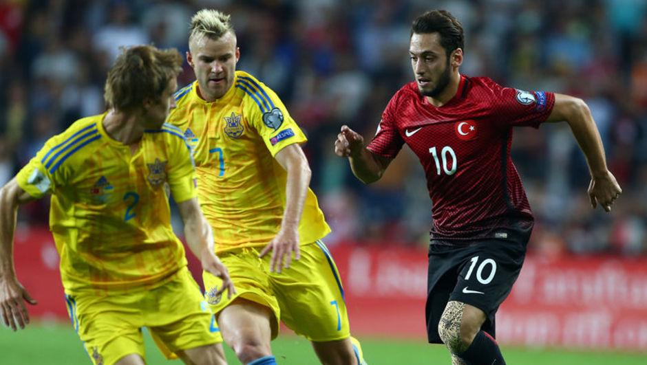 Hakan Çalhanoğlu Türkiye Ukrayna