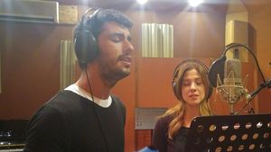 Aras Aydın ve Melis Babadağ, filmde kullanılacak şarkıyı birlikte seslendirdi