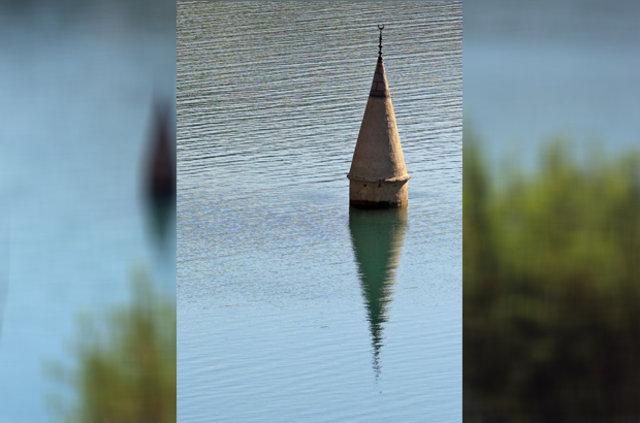 Sular çekilince ortaya çıkan minare anıları canlandırdı
